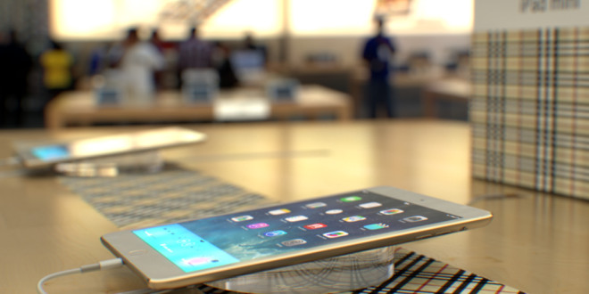iPad-mini-2-in-Apple-Store-Martin-Hajek-002